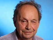 Jedním z oceněných Jihočechů je profesor Miloš Velemínský, který žije a ordinuje v Třeboni a přednáší na Jihočeské univerzitě v Českých Budějovicích.