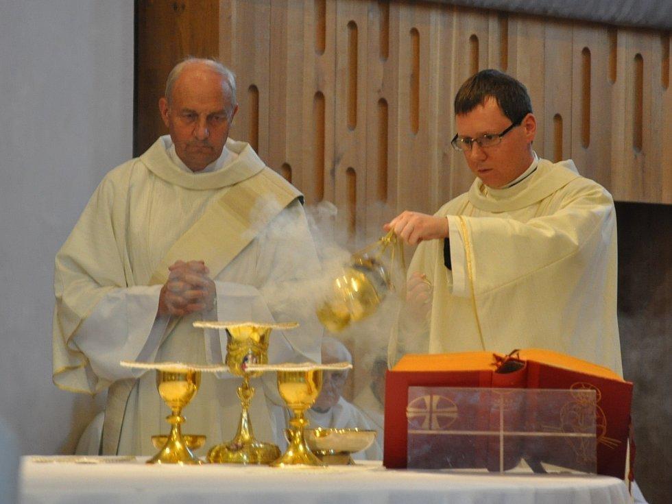 P. Miroslav Štrunc slavil primiční mši svatou v českobudějovické katedrále sv. Mikuláše v neděli 13. září.