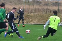 Patrik Švantner střílí v přípravě s Příbramí (2:1) první gól Dynama.
