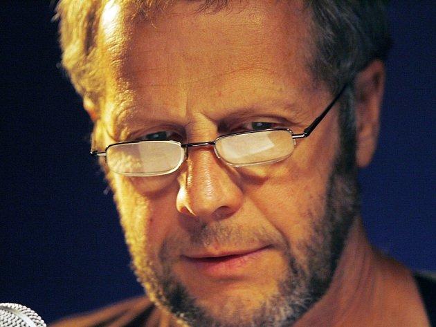 Písničkář Jiří Smrž zPísku je za své album Kořeny (2013) nominován na cenu Anděl vkategorii folk a country.