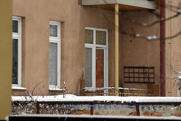 Okna, za kterými došlo k vraždám.