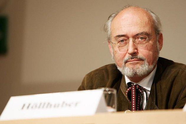 Walter Höllhuber.