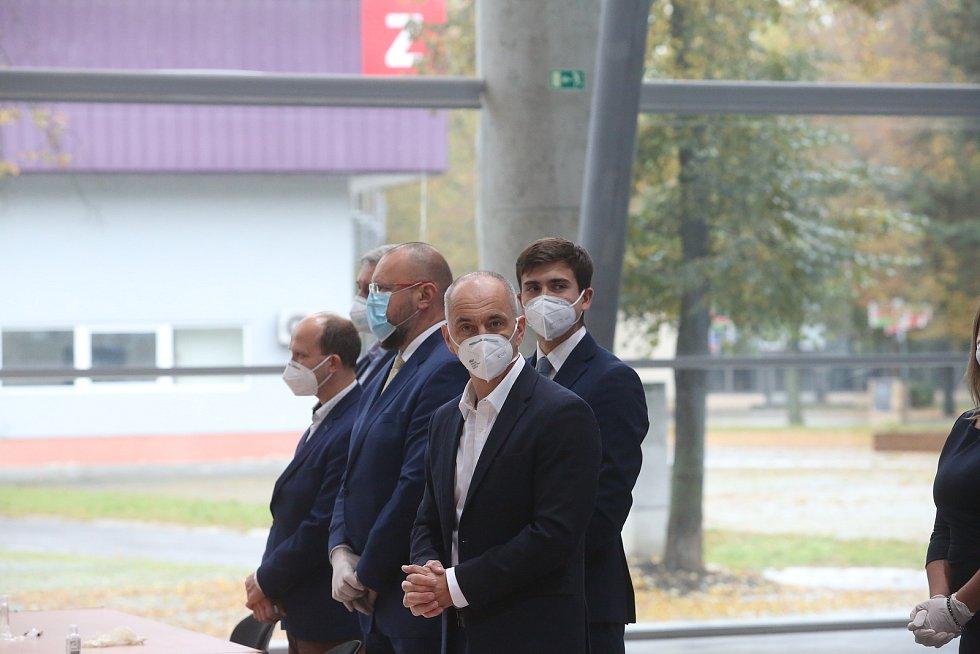 Krajská koaliční smlouva byla podepsána 16. října na Výstavišti v pavilonu T1.