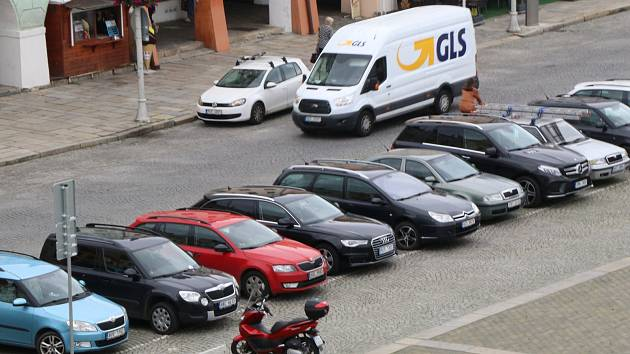 Dopravní situace na českobudějovickém náměstí.