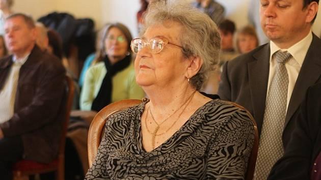 Paní Hana Tvrská, rozená Weilová, přežila utrpení koncentračních táborů.