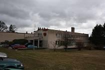 Hotel Máj, kde se koná soutěž Novohradská číše. Objekt čeká v roce 2019 rekonstrukce za více než 20 milionů korun.