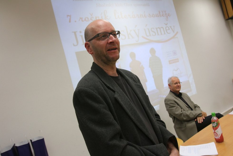 Literární soutěž Jihočeský úsměv, zaštiťovaná Jihočeskou vědeckou knihovnou a Jihočeským krajem ve spolupráci s Jihočeským klubem Obce spisovatelů, se může chlubit poměrně slušnou tradicí.