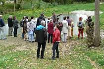 Semináře Krajina nás spojuje o vzájemném vlivu člověka a krajiny a o významu zeleně nabízí odborníkům i laikům Jaroslav Šíma, krajinný architekt. Působí na Jihočeské univerzitě nebo v Přírodovědném muzeu Semenec v Týně nad Vltavou.