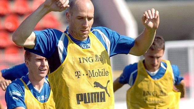 Jan Koller bude jednou z fotbalových hvězd, které se v sobotu sejdou v písku na oslavách sta let fotbalu ve městě nad Otavou.