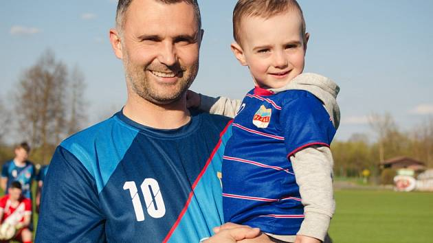 Tomáš Pintér se svým synkem Tomášem juniorem.
