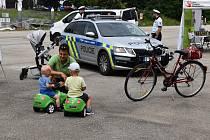 Ve středu, 15. července, na cyklostezce pod českobudějovickým Dlouhým mostem pořádali policisté ve spolupráci ve spolupráci s Týmem silniční bezpečnosti preventivní akci pro cyklisty.