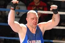Jiří Bursa patří v boxerské extralize ke hvězdám.
