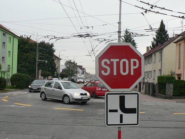Křižovatka Lidické a Papírenské ulice v Českých Budějovicích. Ilustrační foto
