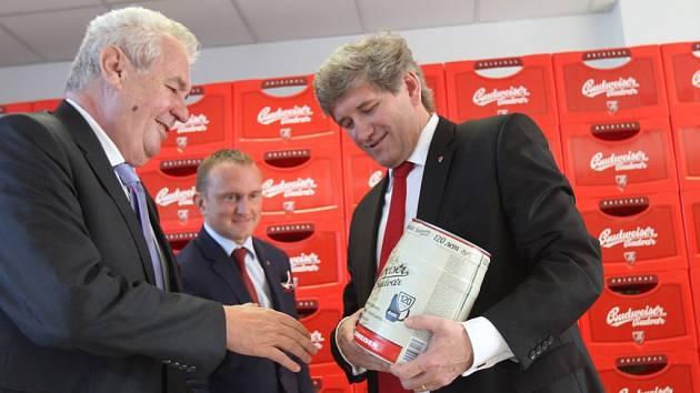 Prezident Miloš Zeman v pondělí v podvečer navštívil Budějovický Budvar.