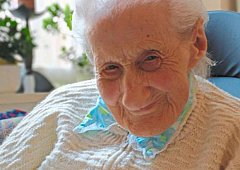 109 let není na řádové sestře vidět.