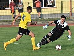 Martin Voráček z této šance sice gól nedal, Písek ale přesto v Mol Cupu vyhrál v Soběslavi snadno 3:0. O víkendu fotbalové soutěže v kraji pokračují.