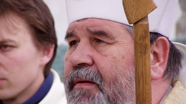 Biskup Jiří Paďour zve na ekumenickou bohoslužbu do katedrály.