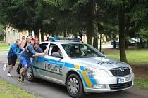 Náročné úkoly čekaly 18 nových policistů a jednu policistku ve výcvikovém středisku v Lišově.