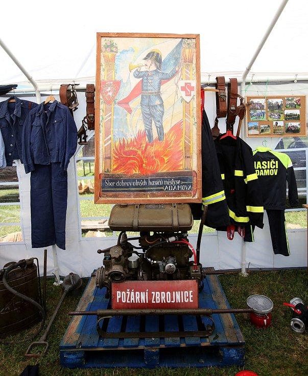 Adamovské a hůrecké děti oslavily letos svůj svátek spolu s adamovskými dobrovolnými hasiči, kteří oslavili 95. výročí své existence.
