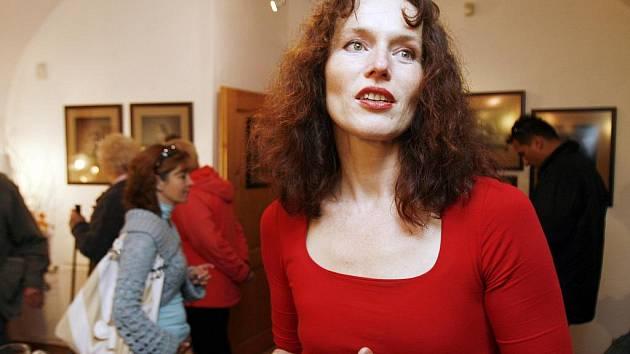 V budějovické Komorní galerii U Schelů vystavuje své fotografie Sára Saudková. Expozice potrvá do 16. října.