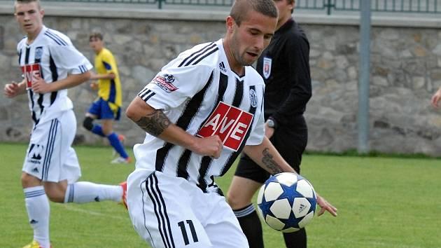 Michal Rakovan byl v Lažišti autorem první branky Dynama v nové sezoně.