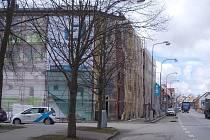 Lešení bude na lišovské radnici až do května.