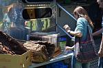 Malí i velcí například při sobotním Medobraní obdivovali prosklený úl se včelami, ochutnávali čerstvý med i medovinu.