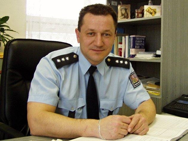 Operační důstojník Josef Koblic koordinoval zásah, při kterém se policii podařilo zachránit život 35leté ženy.