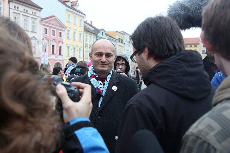 Kritik islámu Martin Konvička z Českých Budějovic byl ústřední postavou demonstrace.
