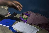 Za soubor fotografií z porodnice v africkém Kongu získala letos Jana Ašenbrennerová jednu z cen v soutěži Czech Press Photo.