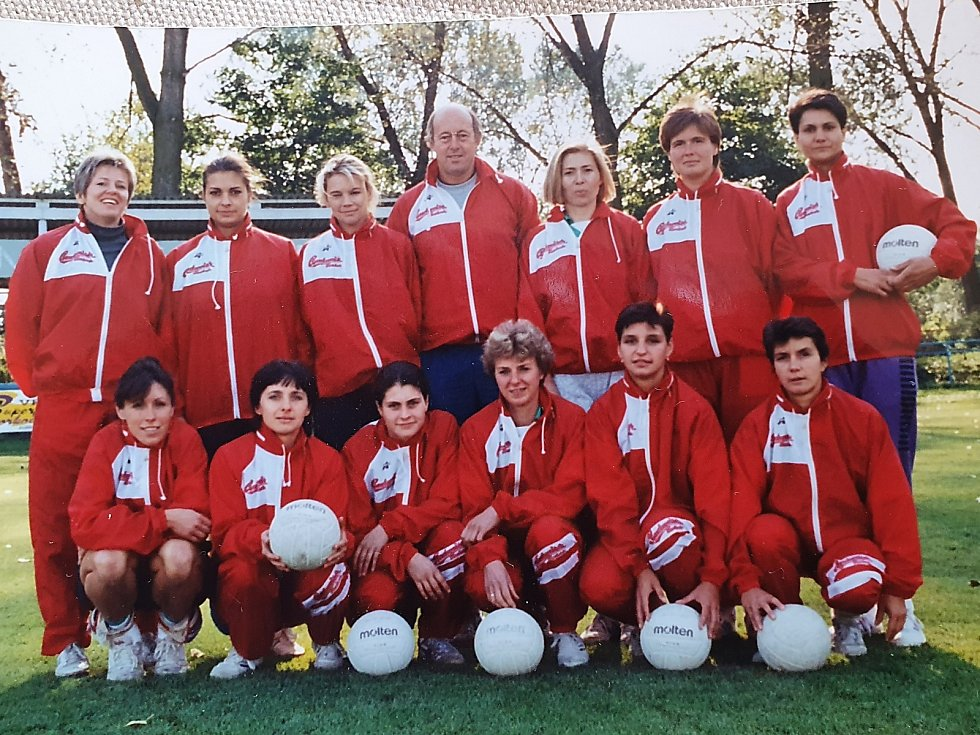 Volejbalový tým Meteoru České Budějovice, který vedl Jaroslav Pešek