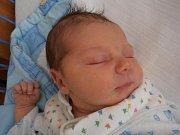 S úctyhodnou porodní váhou 4,32 kg přišel na  svět Tomáš Kutheil. Narodil se v neděli 3.6.2012 ve 21 hodin a 18 minut. Vyrůstat bude v Českých Budějovicích.
