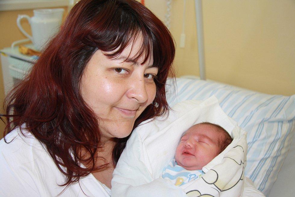 Jakub Ternény z Volar.Syn Ivany Benčatové a MarkaTernényho se narodil 16. 6. 2021 v 11.45 hodin. Chlapeček při narození vážil 3120 g.