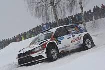 Největší hvězdou Regional Cupu bude rakouská posádka Simon Wagner – Gerald Winter. Takhle si počínala za velkého diváckého zájmu na trati Jänner rallye před rokem.