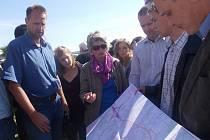 Nad plány debatovali obyvatelé Nového Vráta se zastupiteli města i se zástupci stavebního úřadu.