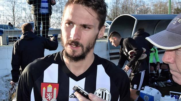 Patrik Brandner přispěl k výhře Dynama ve Znojmě 5:2 dvěma góly.