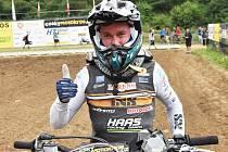 Bývalý vicemistr světa Němec Max Nagl byl v neděli v Jiníně suverénní a vyhrál obě jízdy mezinárodního mistrovství republiky v motokrosu nejprestižnější třídy MX1.