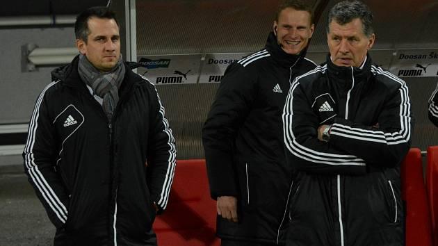 Martin Vozábal (vlevo) a Luboš Urban (vpravo) v Plzni příliš důvodů k úsměvům neměli, jak tomu bude v sobotu doma proti Brnu?
