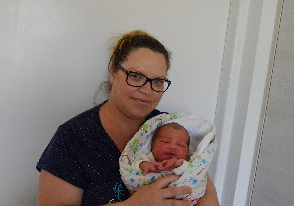 Starším bráškou je od 4. 6. 2021 2,5letý Eliáš ze Čkyně. Rodičům Lence a Hanuši Rückerovým se ve 23.38 h. narodila dcera Beáta Rückerová, vážila 3,65 kg.