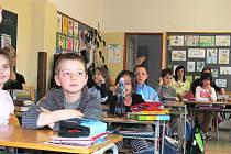Co dovedou, mohou školáci na Máji předvést rodičům například při dnech otevřených dveří, jako na našem snímku z podzimu minulého roku.