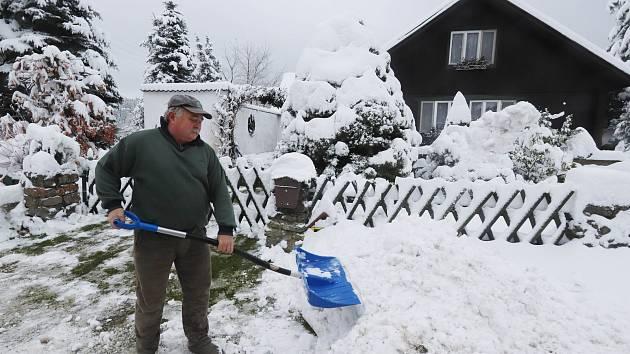 Sníh v Dobré a Hojné Vodě u Nových Hradů.