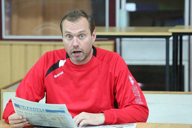 Trenér Jan Svoboda s Deníkem