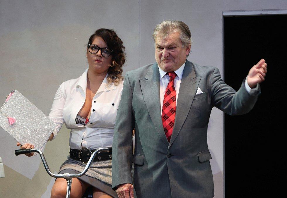 Pokoušení hra Václava Havla v Jihočeském divadle.