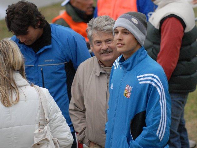 V roce 2008 se mohli Jaroslav a Jan Luňáčkovi těšit z obrovského úspěchu. Předseda KK Jiskra Týn nad Vltavou (Jaroslav) sledoval ze břehu zlatý triumf svého syna na MS. Světový šampionát v maratonu se možná na jihu uskuteční znovu za čtyři roky.
