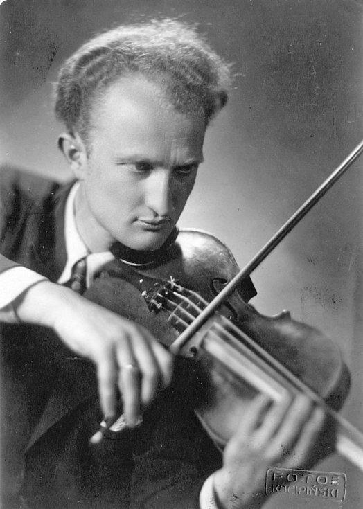 Ladislav Havel, jihočeská legenda, která naučila hrát na housle stovky žáků včetně Pavla Šporcla, slavil 22. května 2015 své 90. narozeniny.