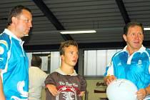 Stolní tenista Zbyněk Lambert, plavec Arnošt Petráček i trenér reprezentace ve vzpírání Jiří Smékal (zleva) cesty do Pekingu nelitují. Přivezli si nejen spoustu zážitků, ale i velice dobré výsledky.