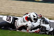 Matěj Smrž na trati závodu německého mistrovství superbiků.