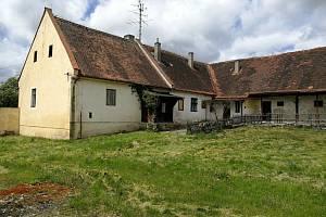 Stát prodává zemědělskou usedlost Nový dvůr Plavsko.