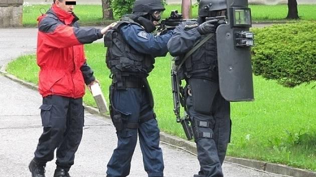 V Lišově se koncem minulého týdne cvičili policejní vyjednavači. Scénář? Únos autobusu.