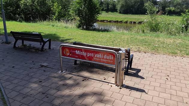 Další škodu utrpěla cyklopumpa v Plzeňské ulici v Českých Budějovicích.